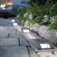 Frontgate Solar Driveway Lights